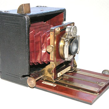 Thornton-Pickard | Nimrod Automan No.3 | 1907/8 | Hand/Stand Camera | 1/4 Plate.