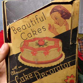 1940s Cake Decorator?  - Kitchen
