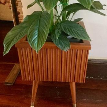 Midcentury wooden planter - Mid-Century Modern