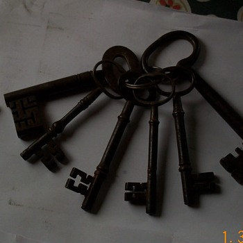 old keys. - Tools and Hardware