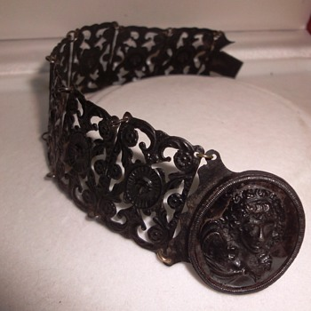 EARLY 19th CENTURY BERLIN IRON BRACELET