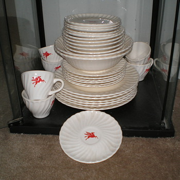 Mobil Oil Dinnerware/Dishes - Petroliana