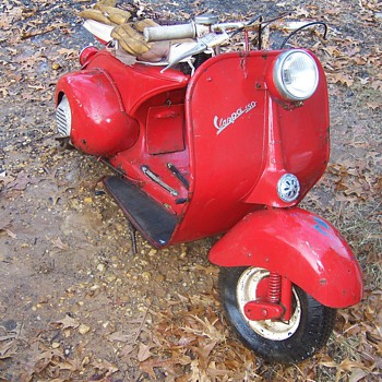 Farm Fresh Barn find Vespa 150 - Motorcycles