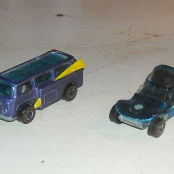 Hot Wheels Beach Bomb and Sand Crab - Model Cars