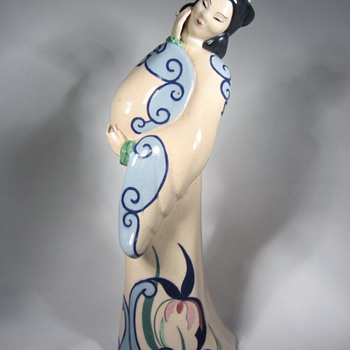 Japanese Lady cermaic statue made in California - Art Pottery