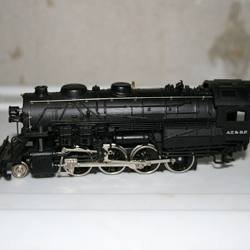 HO Scale Train Engine - Model Trains