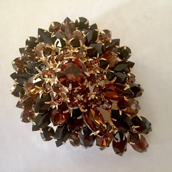 Huge vintage brooch - Costume Jewelry