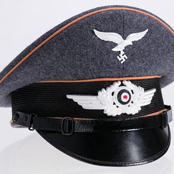 Third Reich Luftwaffe Visor cap of an enlisted/NCO of a Signals unit - Military and Wartime