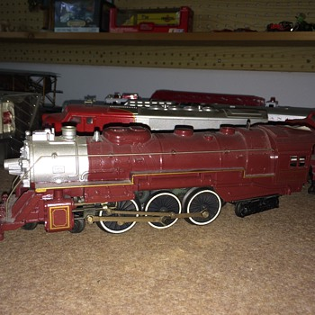 LIONEL TRAIN ENGINE