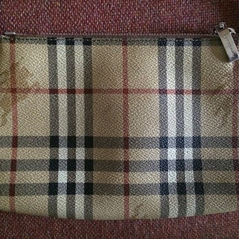 Burberry Classic Check Burberry London Tote Bag.