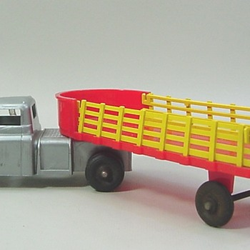 Wyandotte Plastic Semi - Model Cars