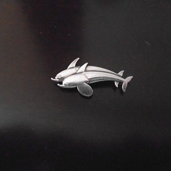 Georg Jensen #317 Double Dolphin brooch