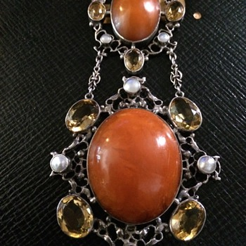 Amy Saindheim amber pendant - Arts and Crafts