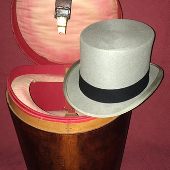 Austin Reed Double Top Hat Case with Austin Reed Grey Wool Felt Top Hat