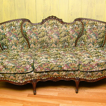 My Favorite Sofa, but whats it worth.
