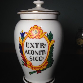 19th Century German Aconite Porcelain Apothecary Jar Identification