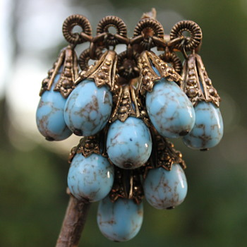 Turquoise glass cascade brooch - Costume Jewelry