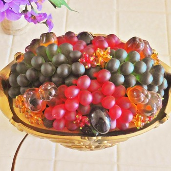CZECH GRAPE AND BERRIES LAMP CENTERPIECE.  THANKSGIVING! - Art Glass