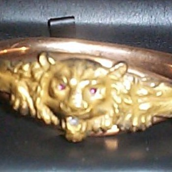 LION'S HEAD BRACELET. - Costume Jewelry