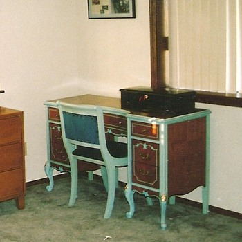 Dressing Table/Sewing machine table