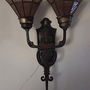 4 Wall Sconces