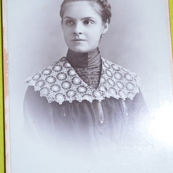 Pretty girl with a nice lace collar photo - very early 1900