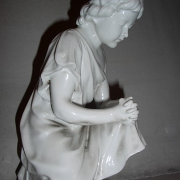 Praying boy - Figurines