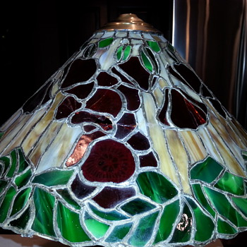 Could this be a Tiffany Studios Poppy Table Lamp or reproduction - Lamps