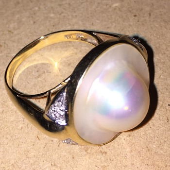Vintage  14KT 585 Mabe Blister Pearl and Diamond Ring