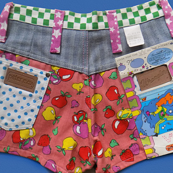 #8 ~ Late 1960s Deadstock Peter Max Psychedelic / Mod Hot Pants