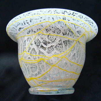 Schaumglass vase/bowl with yellow thread