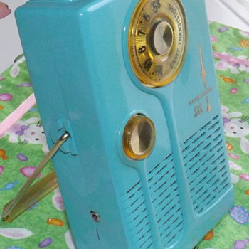 EMERSON VANGUARD TRANSISTOR RADIO