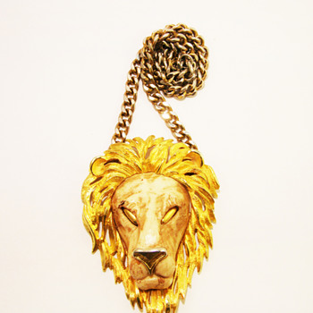 Vintage Razza Large Leo Lion Head Necklace - Costume Jewelry