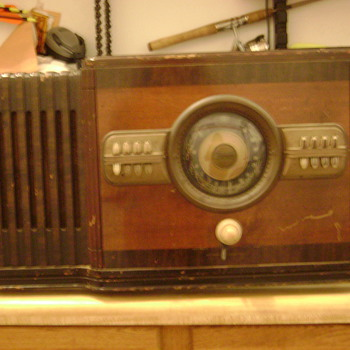 Zenith working radio