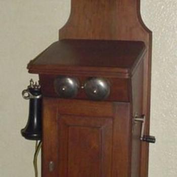 W.E. 301 wall phone