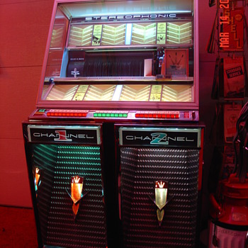 Excellent Playing Coin Operated 1959 Seeburg Jukebox 222 - Coin Operated