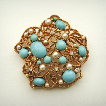 AV Signed Brooch - Costume Jewelry