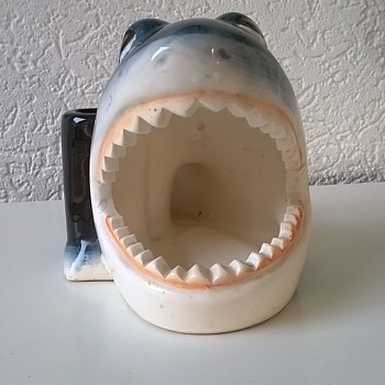 *New* Kitschy Shark Toothpaste & Toothbrush Holder Thrift Shop Find $1.50 - Figurines