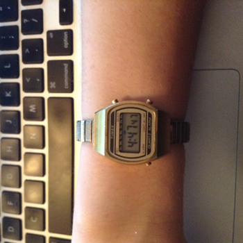 Women's or Child's digital Timex