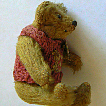 1907 Jamestown Expo Miniature Bear (Steiff?) Found in the steamer trunk of a wealthy ABQ couple in the 1970's.  - Dolls