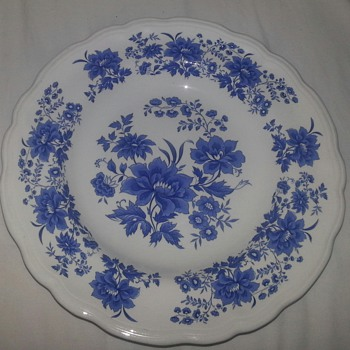Blue and White NUEVA SAN ISIDRO plate