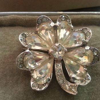 Eisenberg 4 leaf clover brooch - Costume Jewelry