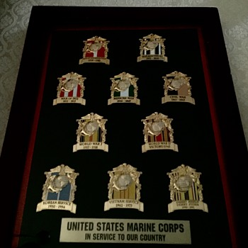 US Marines Pins - Military and Wartime