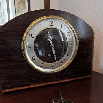 Plymouth Clock Company Seth Thomas 124 Westminster Chime Mantle Clock