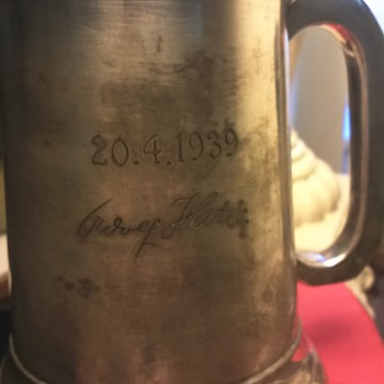 FLAK REGIMENT SS HITLER BIRTHDAY TANKARD BERCHTESGADEN - Military and Wartime