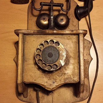 Old phone - Telephones