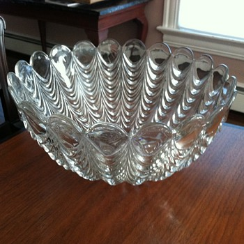 amazing punch bowl - Glassware