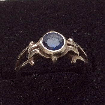 Old ring - Fine Jewelry