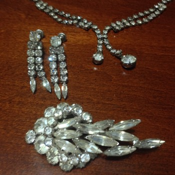 Grandmother,s Jewelry Set - Costume Jewelry