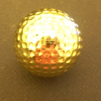 Gold Golf Ball Maxfli #1 .... Any clues?  - Sporting Goods